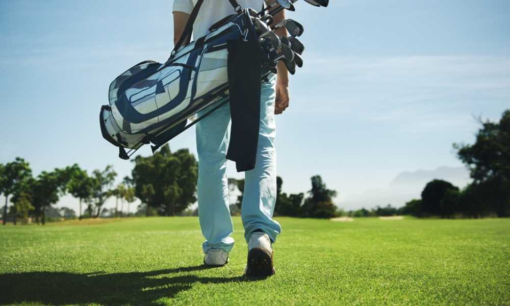 What Does a Rangefinder Do - How to Choose Golf Equipment