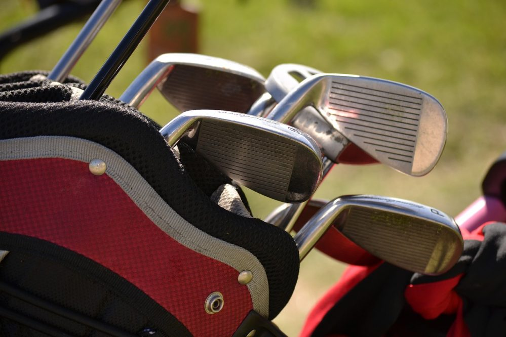 5 easy tips to ensure safe golf gear during travel